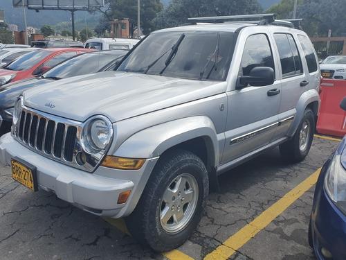 jeep liberty full equipo