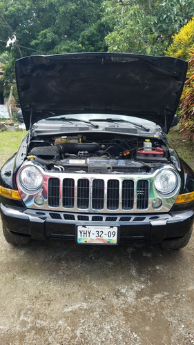 jeep liberty limited 4x2 at 2005