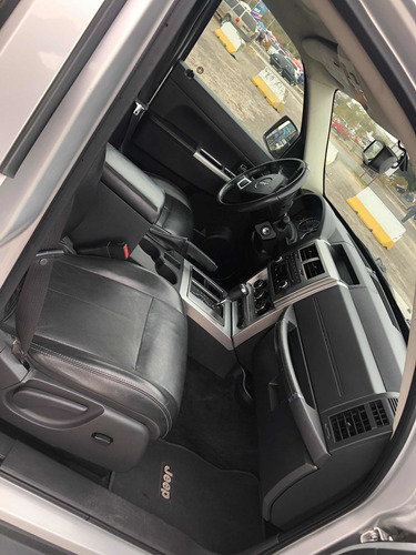 jeep liberty limited base piel 4x2 mt 2010