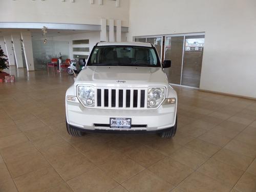 jeep liberty limited base piel 4x2 mt