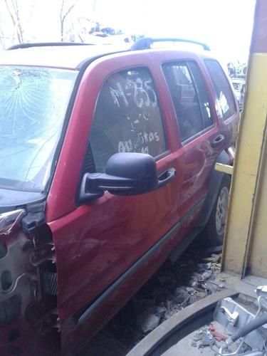 jeep liberty roja y blanca yonkes