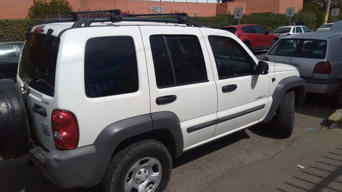 jeep liberty sport 2004 4x2 impecable!!!
