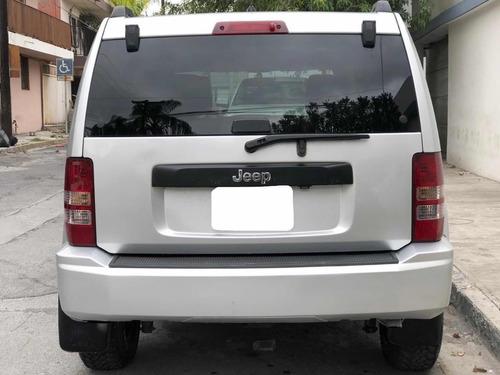 jeep liberty sport 4x2 at 2009
