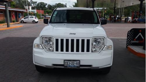 jeep liberty sport 4x2 at