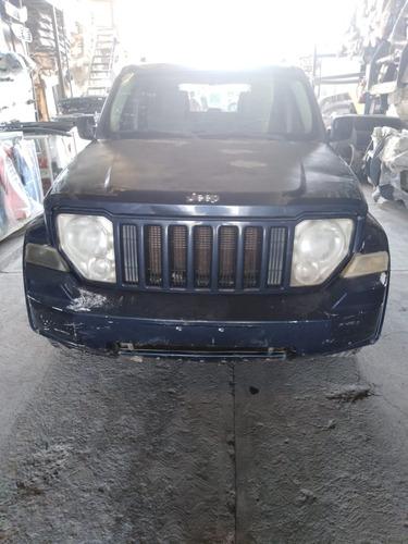 jeep liberty sport 4x4 at 2008 accidentado en partes