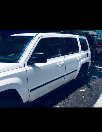 jeep patriot 2.4 limited cvt 4x2 mt 2010