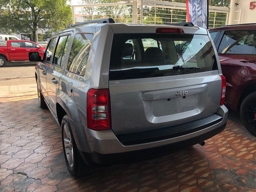 jeep patriot 2.4 sport 4x2 at 2016 gris