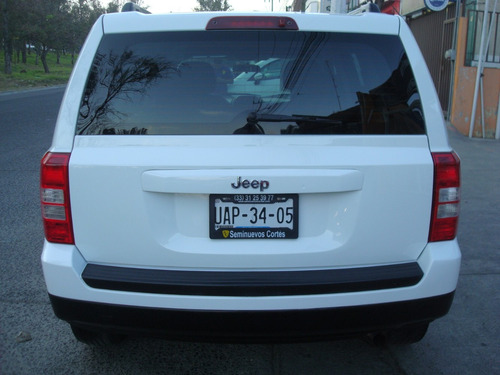 jeep patriot 2.4 sport 4x2 automatica,30,000km,nueva,credito
