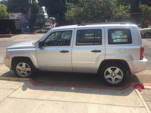 jeep patriot base aa abs ba 4x2 cvt 2010