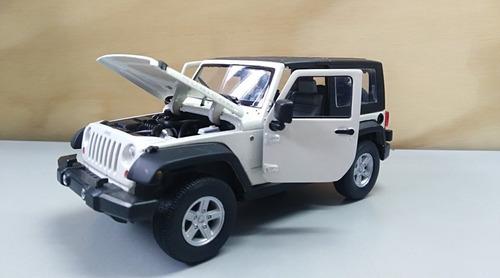 jeep rubicon wrangler blanco, escala 1/24, 18cms largo metal
