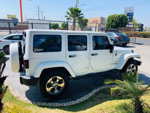 jeep sahara 4*4 at modelo 2016