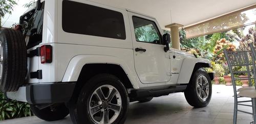 jeep wrangler 3.6 3p sahara 4x4 at 2014