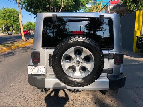 jeep wrangler 3.6 3p sahara v6 4x4 at año 2015