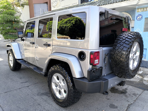jeep wrangler 3.6 unlimited sahara 4x4 at 2013