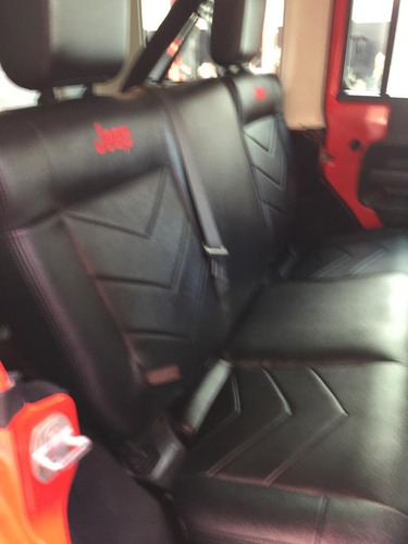 jeep wrangler 3.8 unlimited x 4x2 at 2010