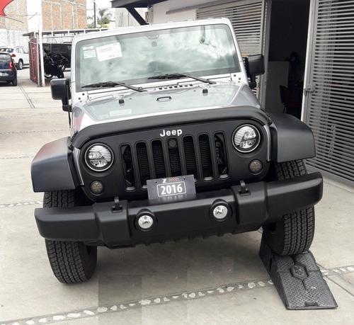 jeep wrangler auto,