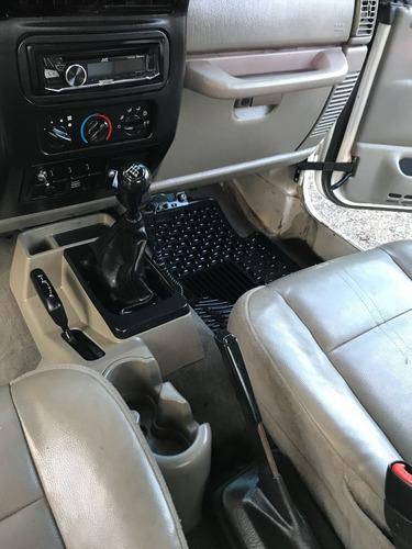 jeep wrangler se 6vel mt 2005