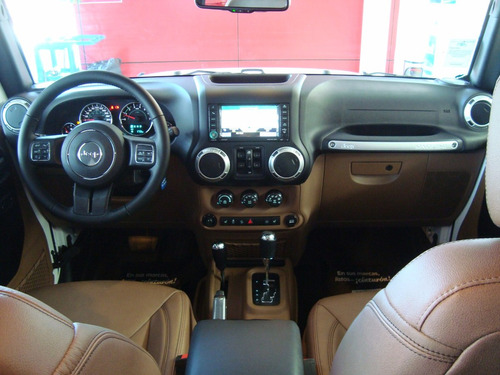 jeep wrangler unlimited sahara ...descuento de $40,000 !!!