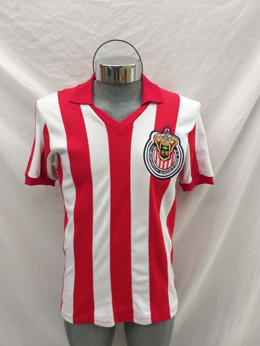 official photos 581d2 db31b Jersey Chivas Campeonísimo Retro