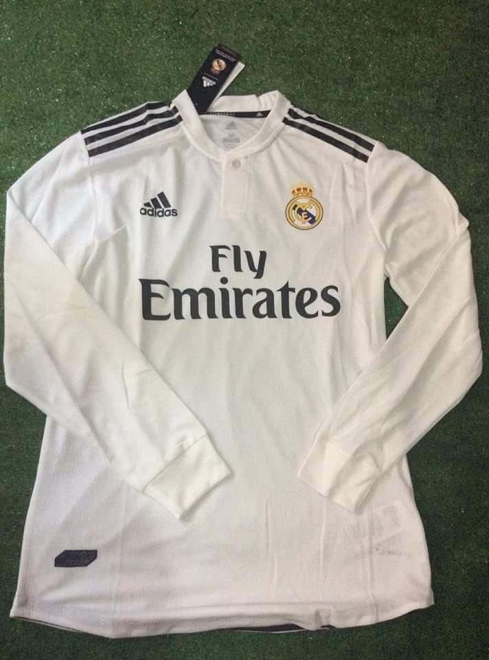 8808957cad547 Características. Marca Adidas  Equipo Real Madrid  Tipo de jersey Jugador   Tipo de ocasión Partido  Versión del jersey 2019 ...