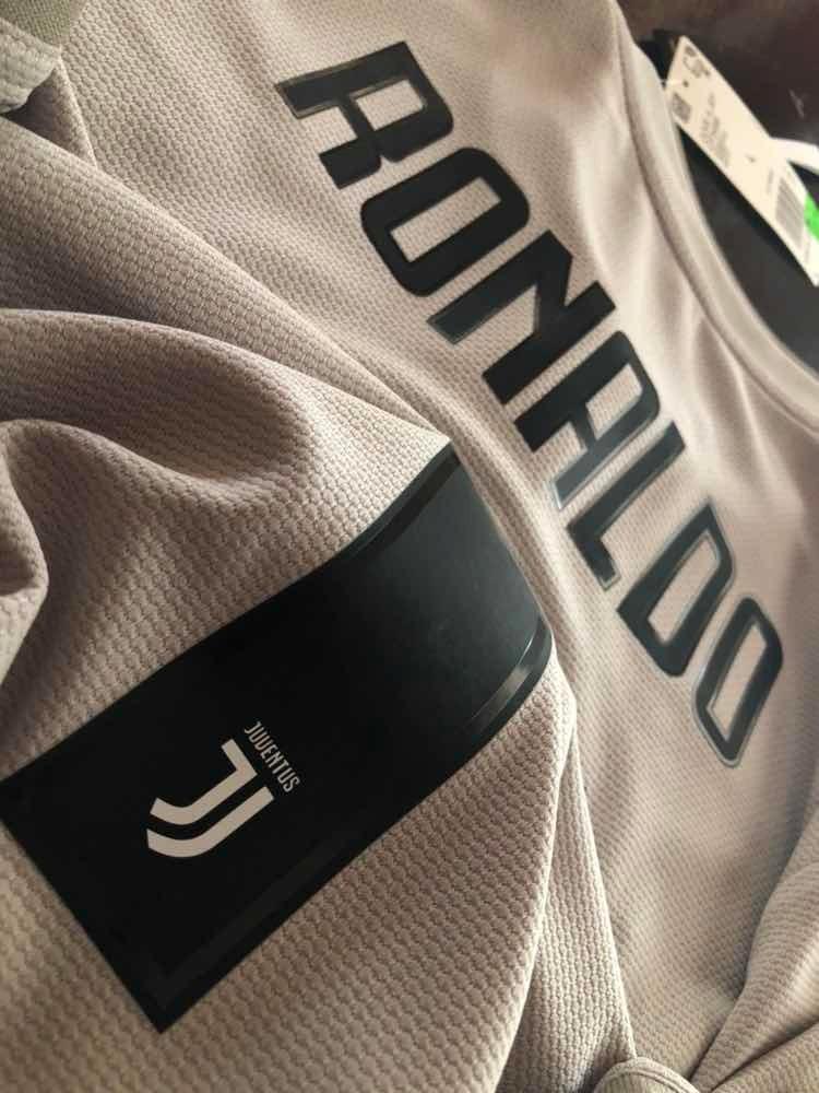 the latest 6dac5 4ba5e Jersey Ronaldo Juventus adidas Original Champions League