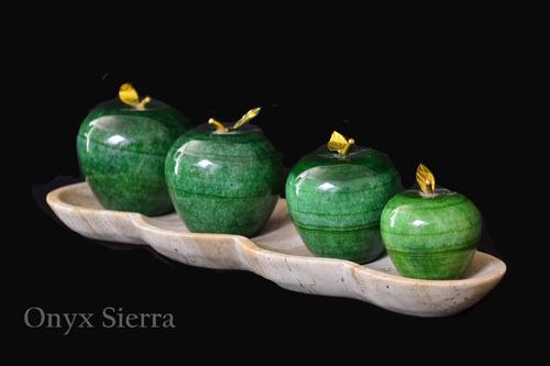 jgo. de 4 manzanas de onix con charola