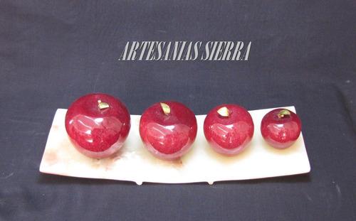 jgo. de 4 manzanas de onix con charola de onix de 35 cms.