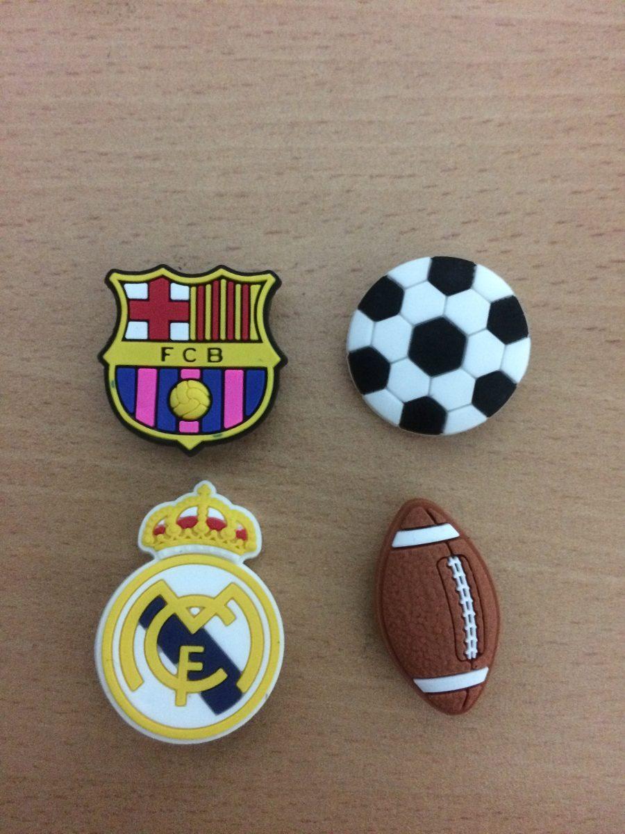 36472482c Jibbitz O Pines Para Crocs De Balones De Soccer Y Americano ...