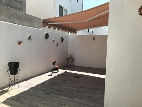 jm/ hermosa casa en hacienda juriquilla