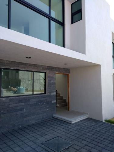 jmf/ hermosa casa en cumbres de juriquilla