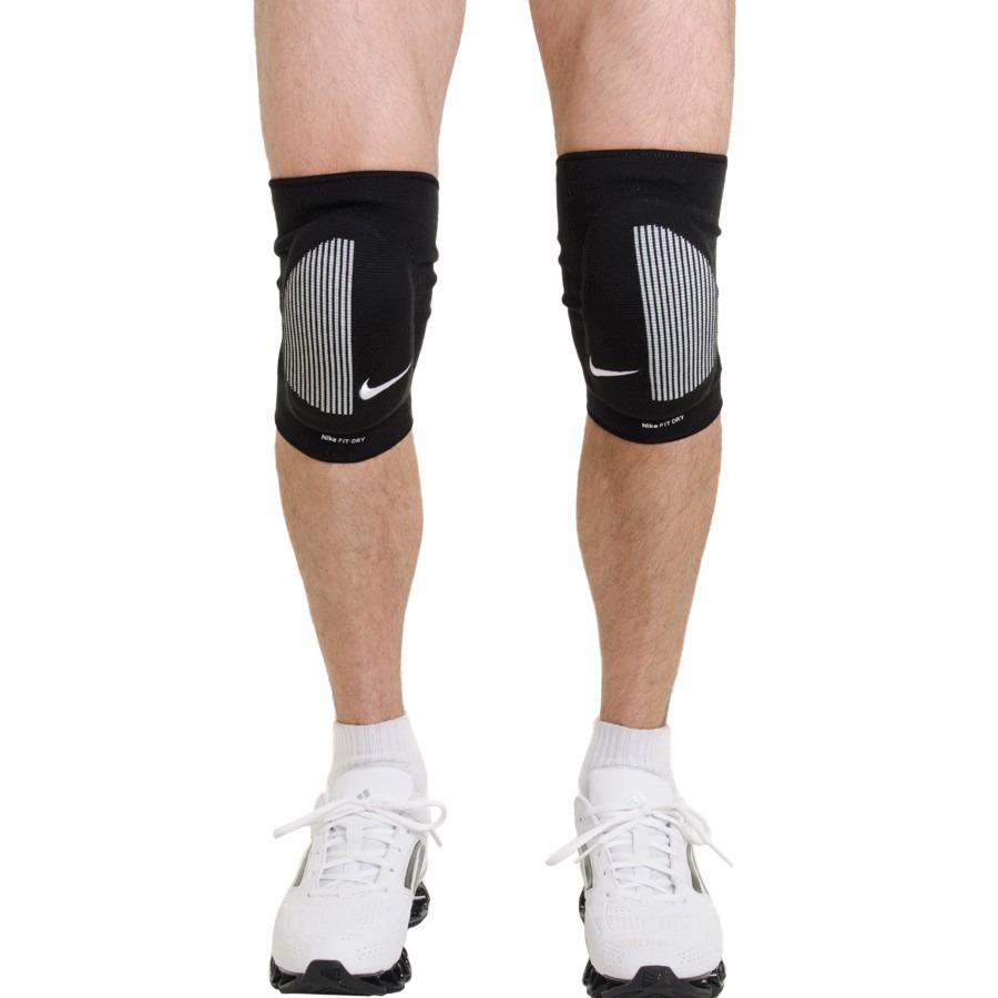 cd5fdb73e joelheira nike dry fit skinny preta knee pads. Carregando zoom.