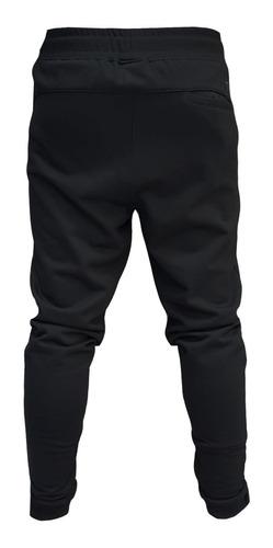 jogging hombre efecto uno asbury negro con puño