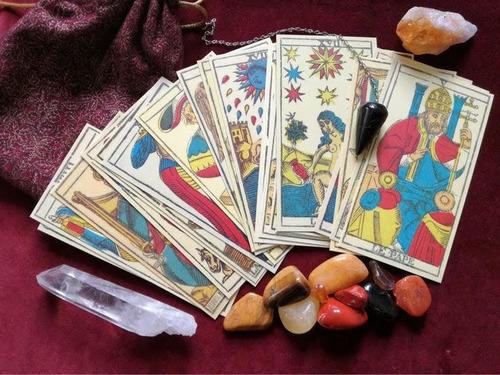 jogo baralhos cigano e outros oraculos.