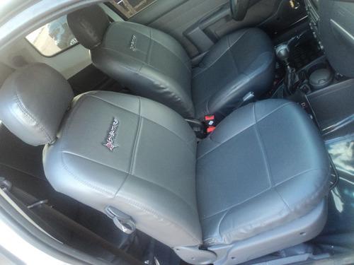 jogo capas  de couro ecologico para o corsa sedan premiun