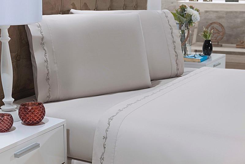 2901838148 jogo de cama king 4 peças bordado arabesco branco e bege. Carregando zoom.