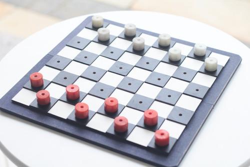 jogo de dama braille de tabuleiro adaptado