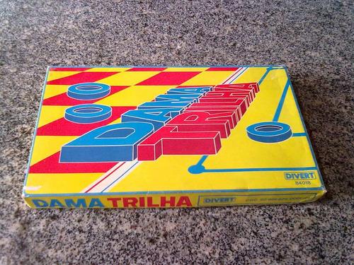 jogo de dama e trilha dos anos 80 divert