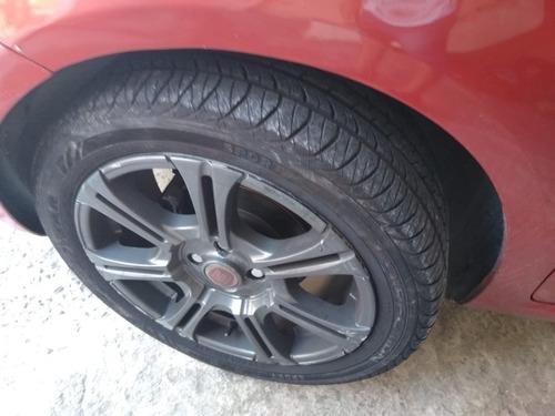 jogo de rodas com pneus aro 17 r$2,500. aceito troca aro 15