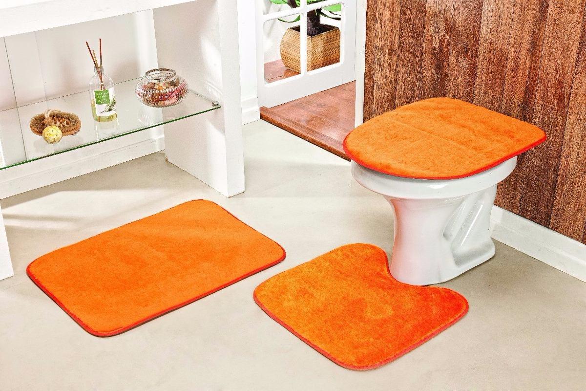 Jogo De Tapete Para Banheiro 3 Peças De Pelucia Cor Laranja  R$ 59,99 em Mer -> Tapete Banheiro Pequeno