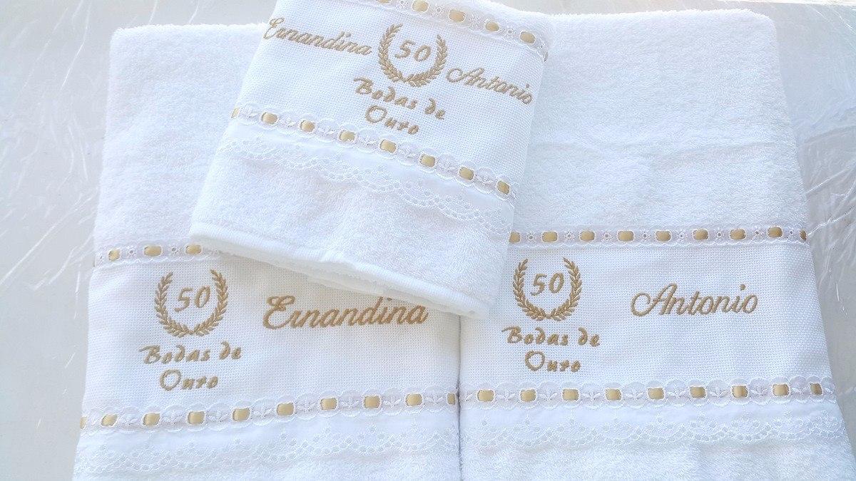 1497cb8608 jogo de toalhas de banho casal bodas ouro personalizado. Carregando zoom.