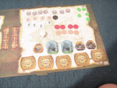 jogo piratas do caribe - o baú da morte - +7 anos