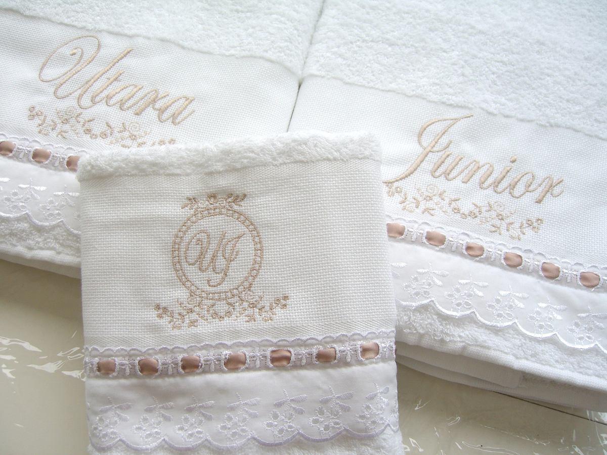 1bad804ed8 jogo toalhas banho casal floral nome bordado personalizado. Carregando zoom.