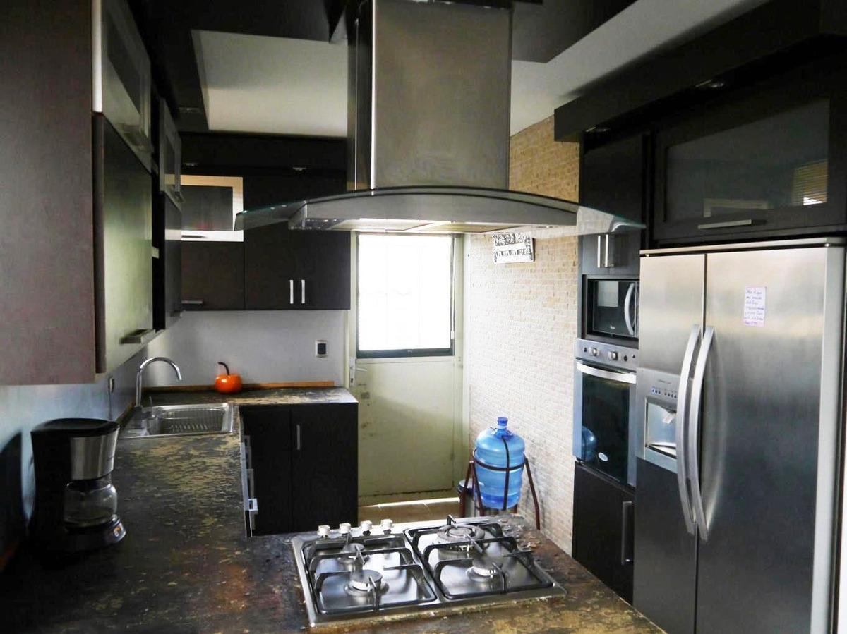 johana díaz rentahouse lara vende  20-2829