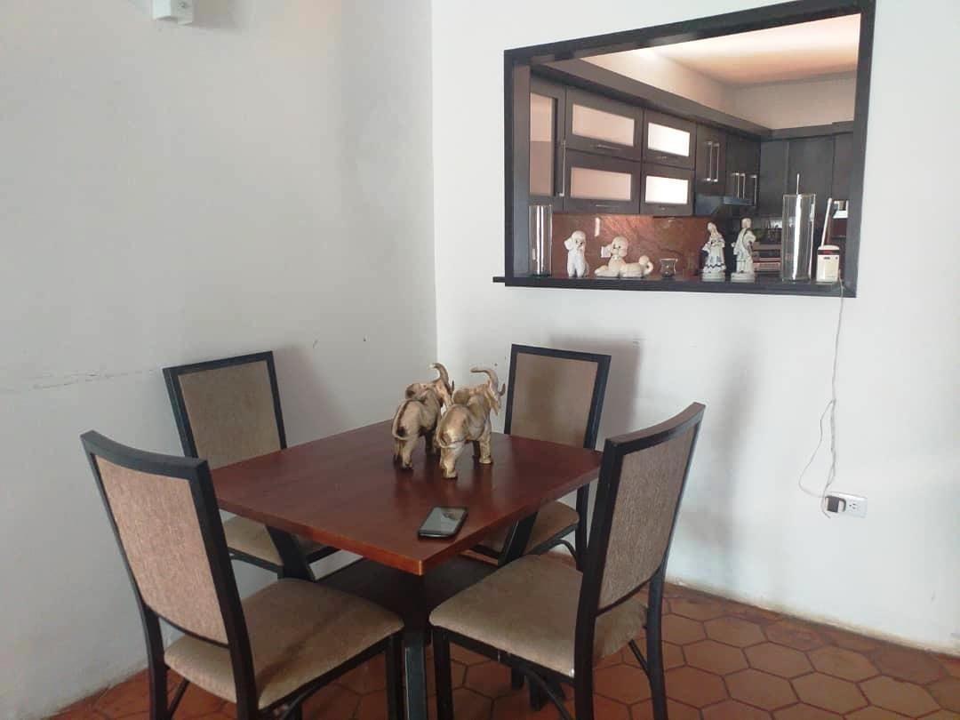 johana díaz rentahouse lara vende  20-6091