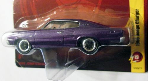 johnny lightning - 1966 dodge charger, e:1/64 - mide 7,5 cm.