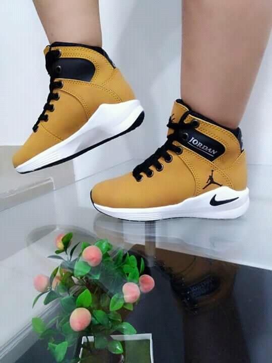 Te mejorarás Transparentemente Pelmel  Jordan Para Niños Moda 2019 Zapatos Colombianos - Bs. 20.000,00 en Mercado  Libre