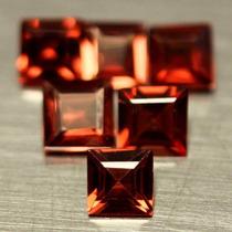 Granates Rojos Cuadrados 2,8 X 2,8 X1,6 Mm Y 3 X3 X 2 Mm