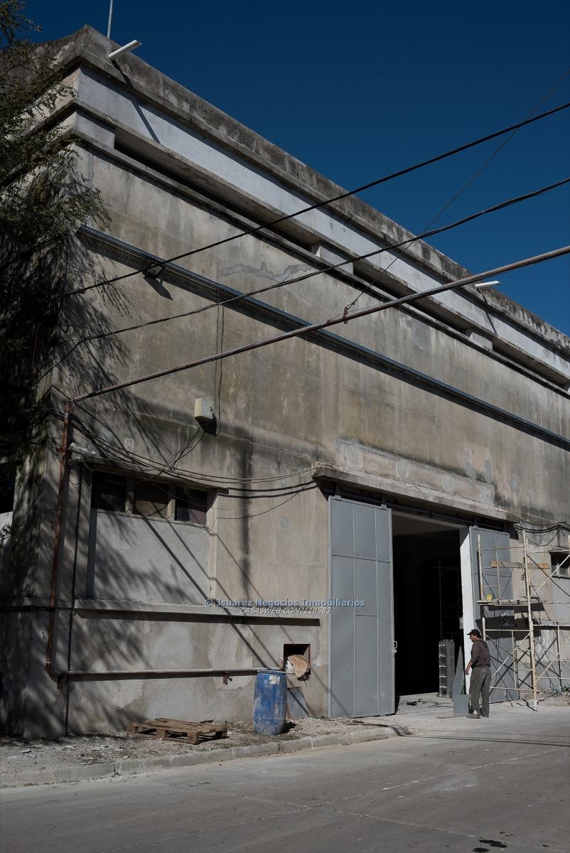 j.s local industrial compartido por m2