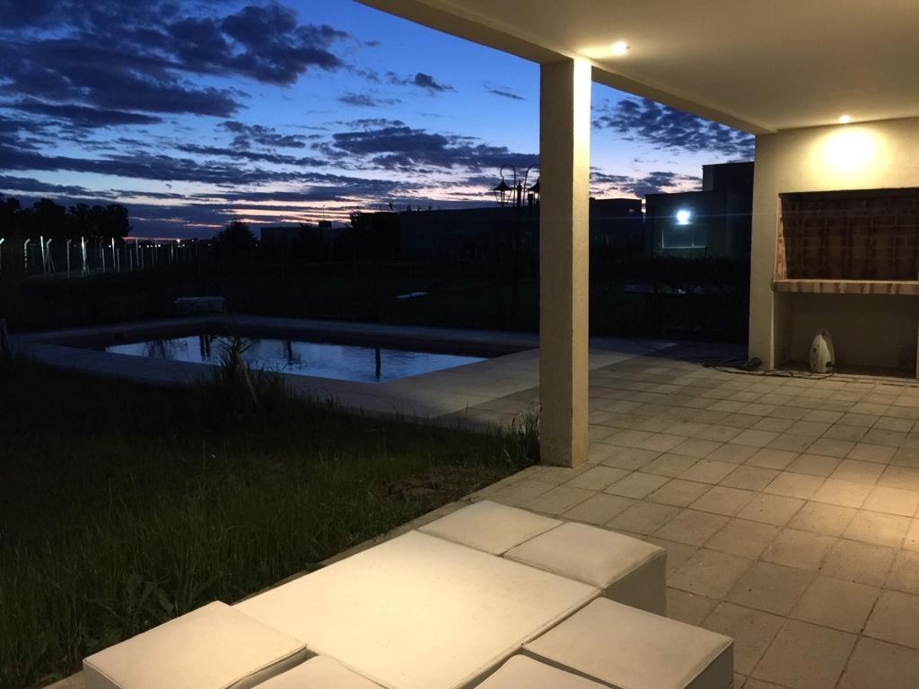 juana de arco 6000, la horqueta venta de casa con piscina