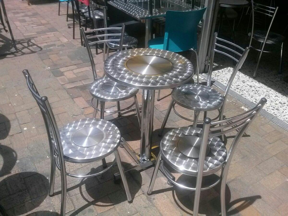 Juego 4 sillas karl mesa acero cromado para bar for Sillas de acero para comedor
